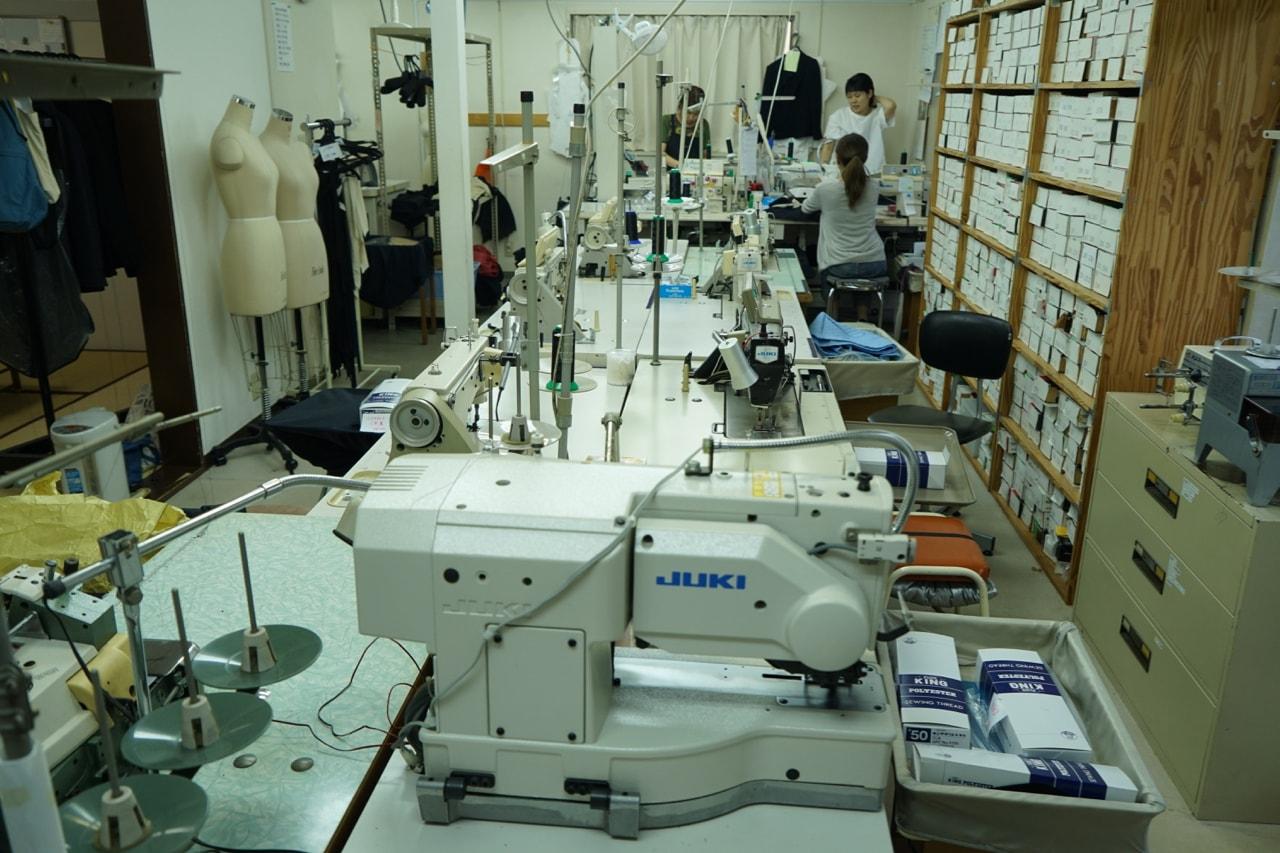 辻洋装店 縫製工場 特殊ミシン